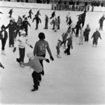 children on ice