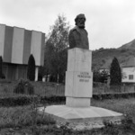 statue of Iacob Mureşianu