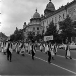 School festivals 1972-1973, folk dance on the street