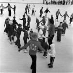 children on ice