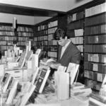 Universităţii bookstore